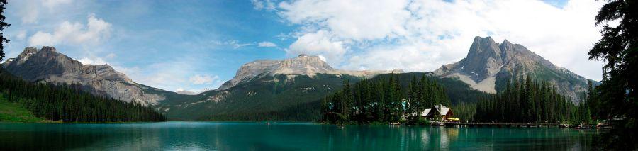 Emerald_Lake_BC_full_view